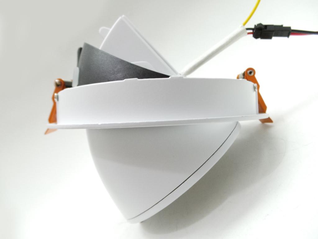 Faretti Led Da Parete Orientabili: Faretti orientabili da parete f ar pz e fari led.