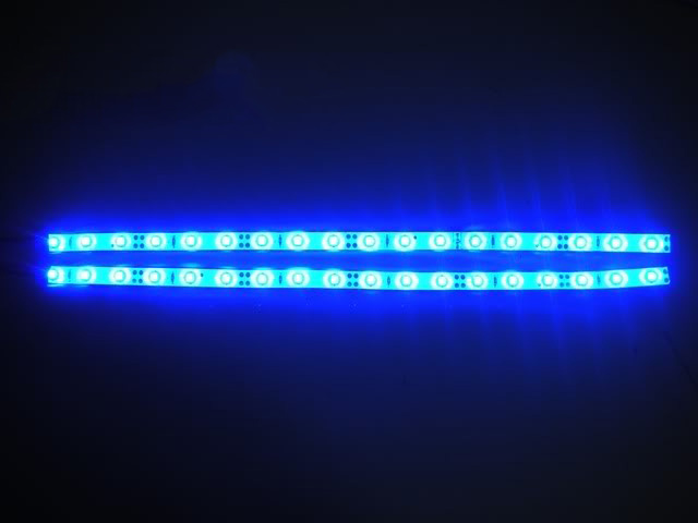 Coppia 3528 30cm colore offerte strisce strip led for Luce led blu