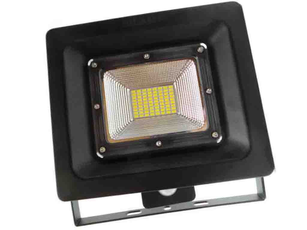 F77 50w faretti e fari led faretto led 50w ultra for Costo faretto led