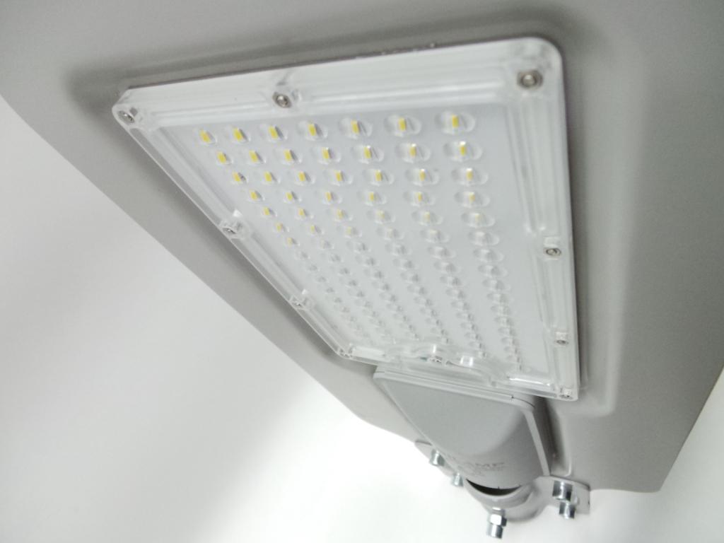 Plafoniere Per Lampioni Stradali : Str 100w faretti e fari led lampione lampada stradale