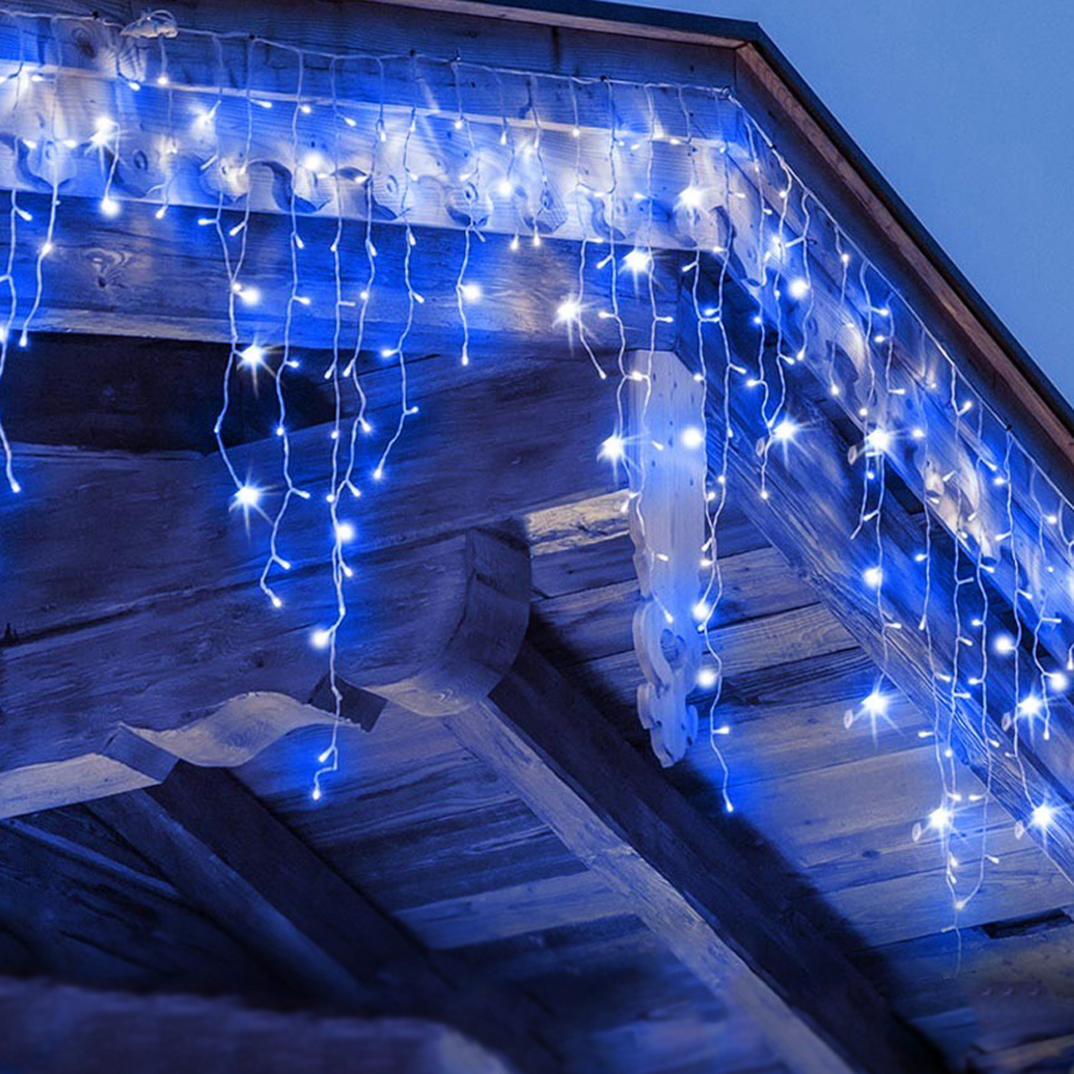 Garland 14 pending 140 led IP44 light Blue 3 m GHI-140LED-BLUE