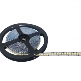 Striscia LED 5m smd2835 12v 120w per 5m IP20 240pcs LED al metro