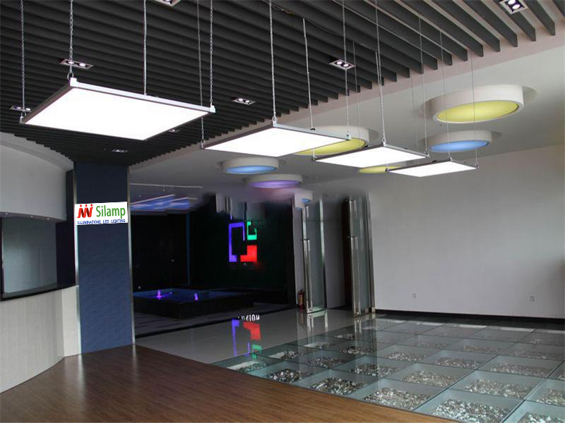 Plafoniere Led 60x60 : Led panel w weißen rand in
